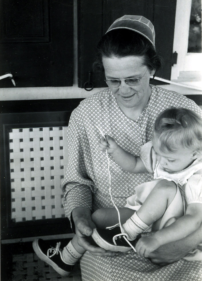 1954 Dawn with her Grandma